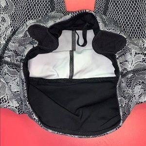 lululemon athletica Pants - Lululemon B/W Venice Lacy Leggings 4